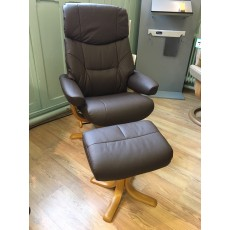 Clearance - Elano Golf Swivel Chair & Footstool