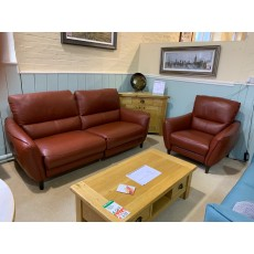 Clearance - HTL Kentucky 2.5 Seater Power Sofa & Power Chair in Leather