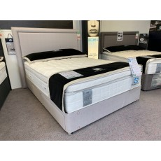 Clearance - Sealy 5'0' (150cm) Pescara Latex 2600 2+2 Drawer Divan Set  PLUS Palermo H/Board