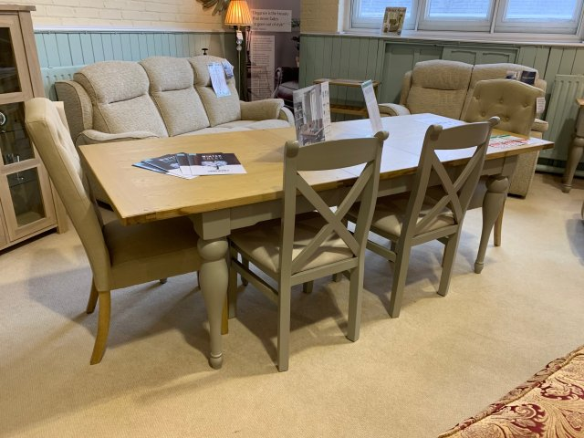 Superb Clearance Willis Gambier Malvern Extending Dining Table 2 X Back Chairs 2 Stanza Chairs Bench Beatyapartments Chair Design Images Beatyapartmentscom